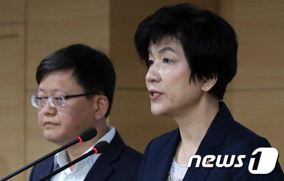 [사진]산업재해 예방대책 발표하는 김영주 장관
