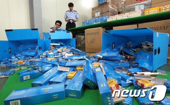 [사진]압수된 중국산 면세담배 34만갑