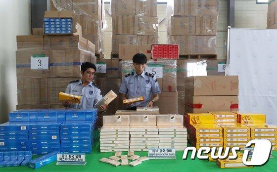 [사진]압수된 시가 20억원 상당 중국산 면세담배 34만갑
