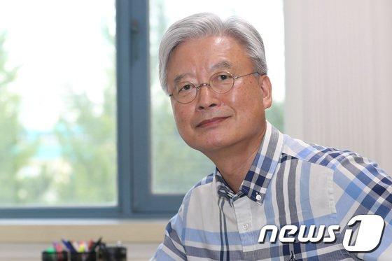 [사진]文정부 첫 주미대사에 조윤제 교수 낙점