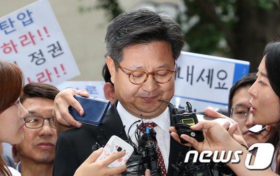 [사진]김장겸 MBC 사장, 고용노동지청 자진 출석