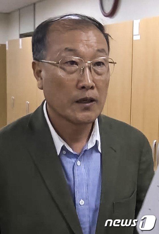[사진]김재철 전 MBC사장, 고용노동부 출석