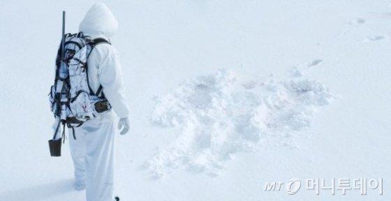 눈밭에서 뛰다 폐가 얼어붙은 '소녀'는 어떻게 죽었나