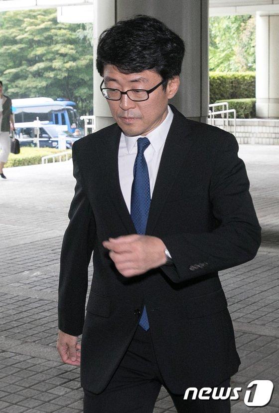 [사진]'정유라 특혜 의혹' 첫 항소심 출석하는 류철균