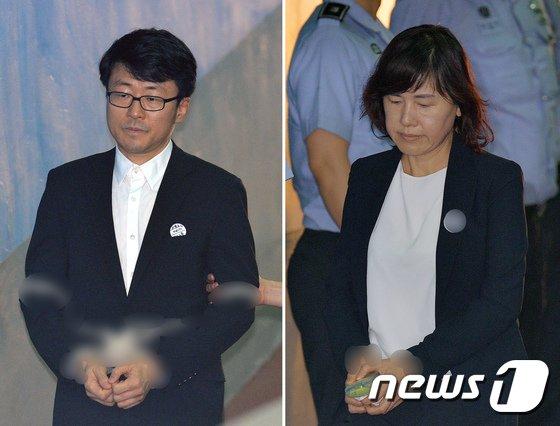 류철균(왼쪽), 이인성 전 이화여대 교수. 2017.7.23/뉴스1 © News1 박지혜 기자