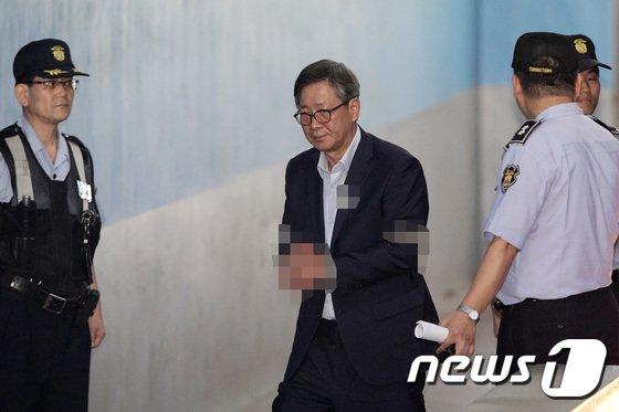 [사진]홍완선, '다시 법정으로'