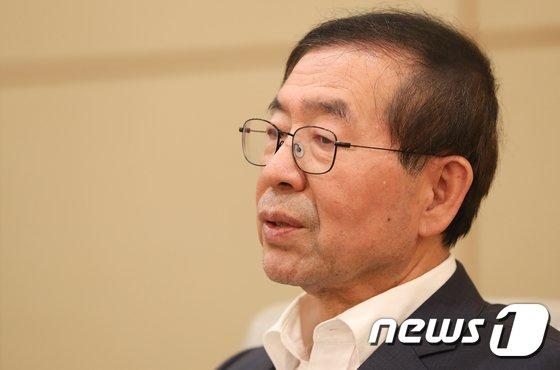 [사진]박원순 시장, MB정부 국정원 제압문건 답변