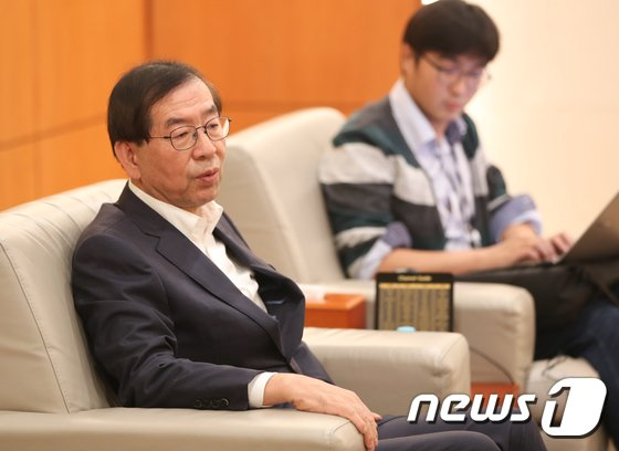 [사진]박원순 시장, MB정부 '국정원 제압문건' 답변