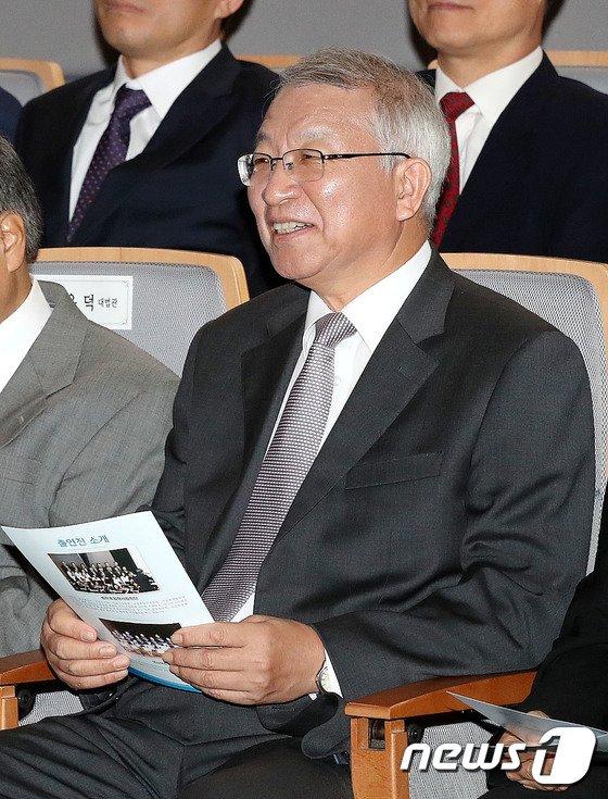[사진]미소 짓는 양승태 대법원장
