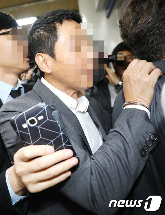 [사진]김정민 전 남친, 공갈 협박 첫 공판  참석