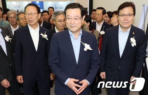 [사진]금융권 채용박람회 찾은 최흥식-이용섭-최종구