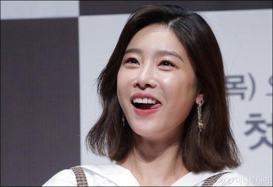 [★화보]'아이돌 섹시스타' 소진-소유, 같은 듯 다른 느낌!