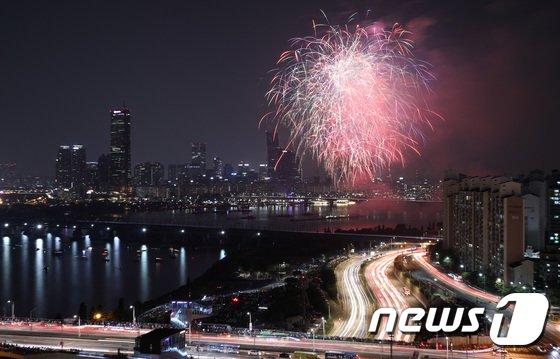 [사진]'밤하늘의 불꽃쇼'