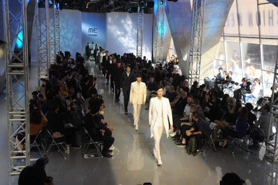 MEYOOMI 패션쇼 사진