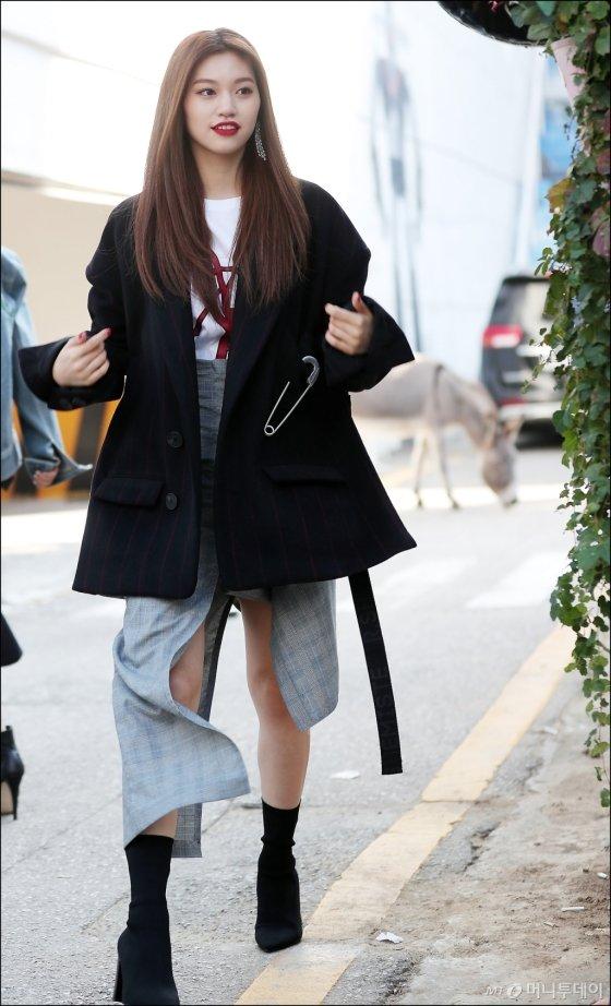 [★화보]'길거리 주인공은 나야 나' 도연, 모델 뺨치는 워킹!
