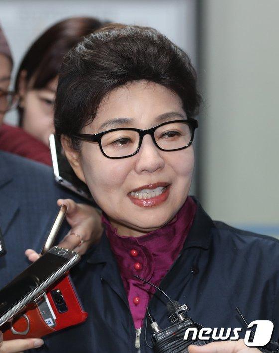 [사진]무죄 선고에 밝아진 박근령
