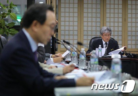 [사진]방송문화진흥회 '임시이사회서 김장겸 사장 해임안 논의'