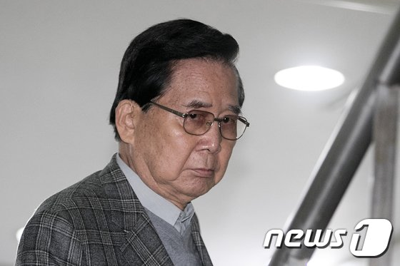 [사진]영장실질심사 출석하는 구재태 전 대한민국재향경우회 회장