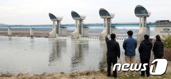 [사진]막힌 강물이 다시 흐르는 백제보