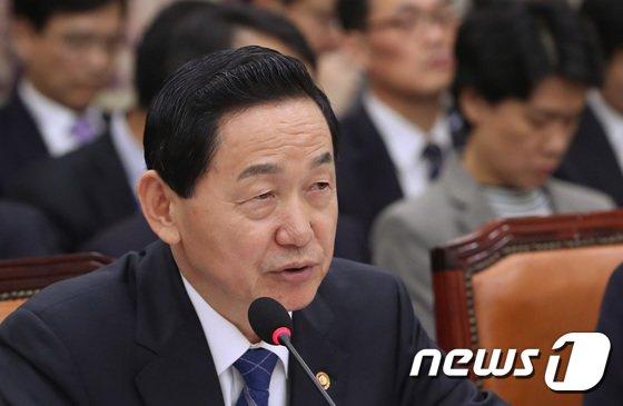 김상곤 사회부총리 겸 교육부장관./뉴스1 DB© News1 박정호 기자