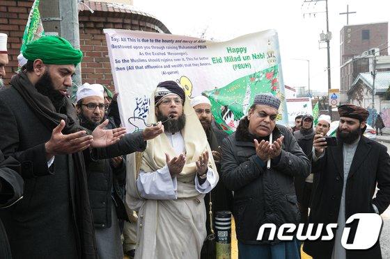 [사진]기도하는 무슬림