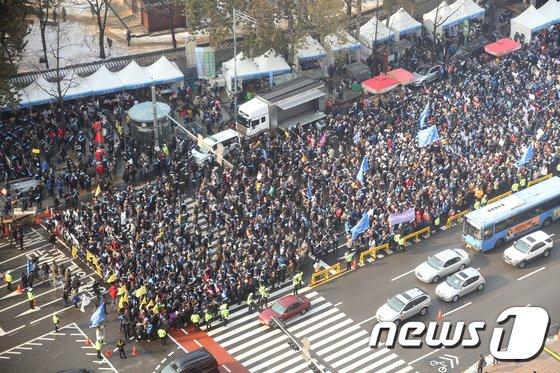 [사진]'문재인 케어 반대' 거리로 나온 의사들