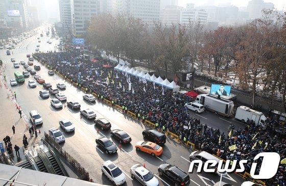 [사진]거리로 나온 의사들 '한의사 의료기기 사용 반대'