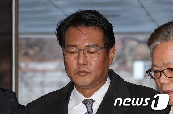 [사진]굳은표정의 김태효 전 비서관 '영장심사'