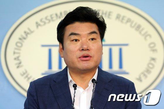 원유철 자유한국당 의원/뉴스1© News1 안은나 기자