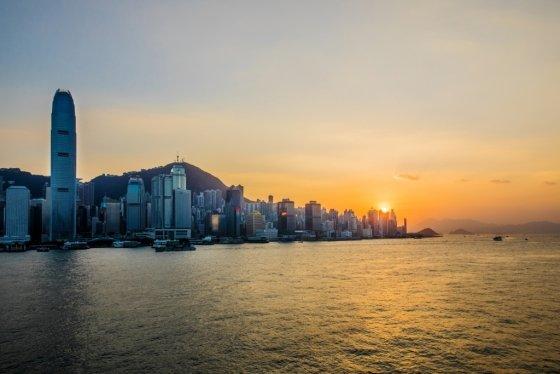 오션터미널데크의 일몰 전망대에서 본 홍콩 도시 풍경. /사진제공=홍콩관광청<br />