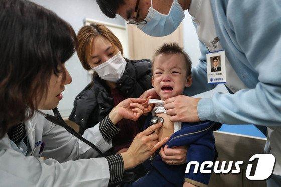 [사진]'독감 너무 아파요'