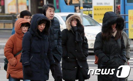 [사진]'오늘도 많이 추워요'