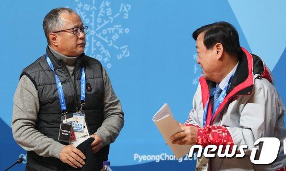 [사진]이희범·송승환 '평창 개·폐회식 대화'