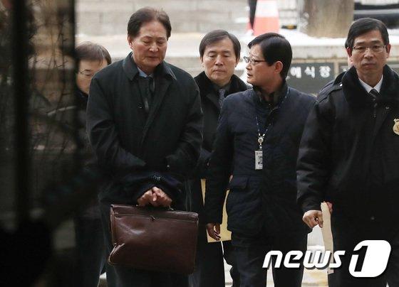[사진]'김대중·노무현 음해공작' 국정원 간부들 영장심사
