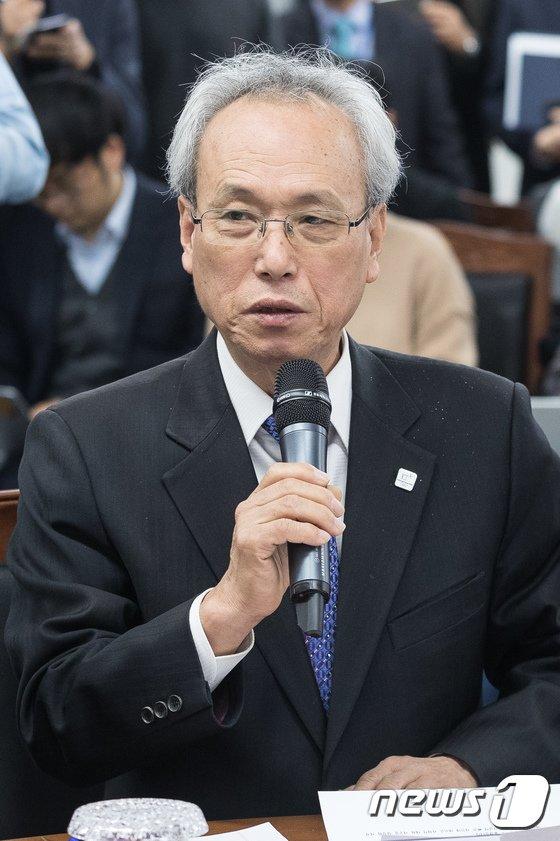 [사진]모두발언하는 문성현 노사정위원장