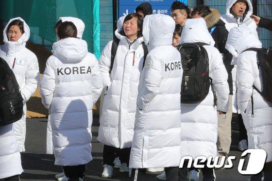 [사진]'korea' 적힌 단복 입은 단일팀