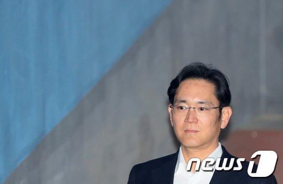 [사진]항소심 선고 앞둔 이재용 부회장