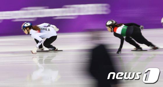 [사진]최민정 '따라 올 수 없는 스피드'