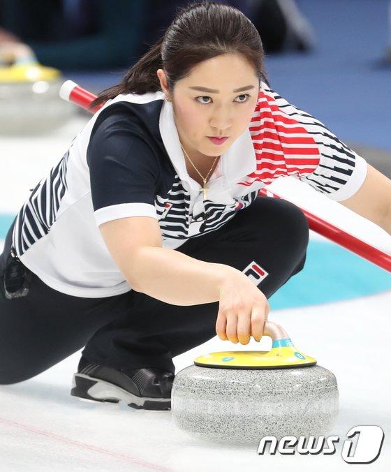 [사진]김경애 '신중한 투구'
