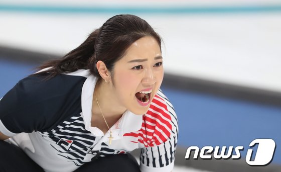 [사진]김경애 '승리 향한 외침'