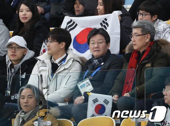 [사진]유승민 공동대표 '대한민국 파이팅!'