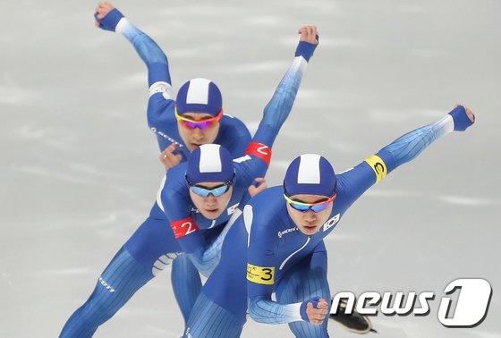 [사진]'팀추월 질주'