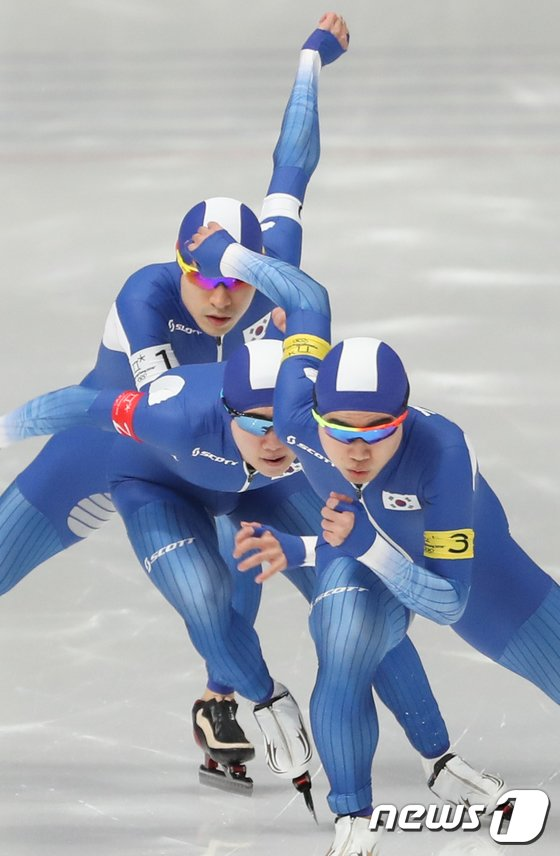 [사진]한국 팀추월 '하나되어'