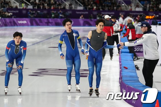 [사진]하이파이브하는 이승훈·밥 데용