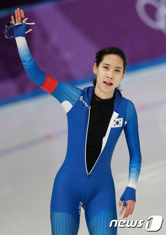 [사진]결승선 통과한 김현영