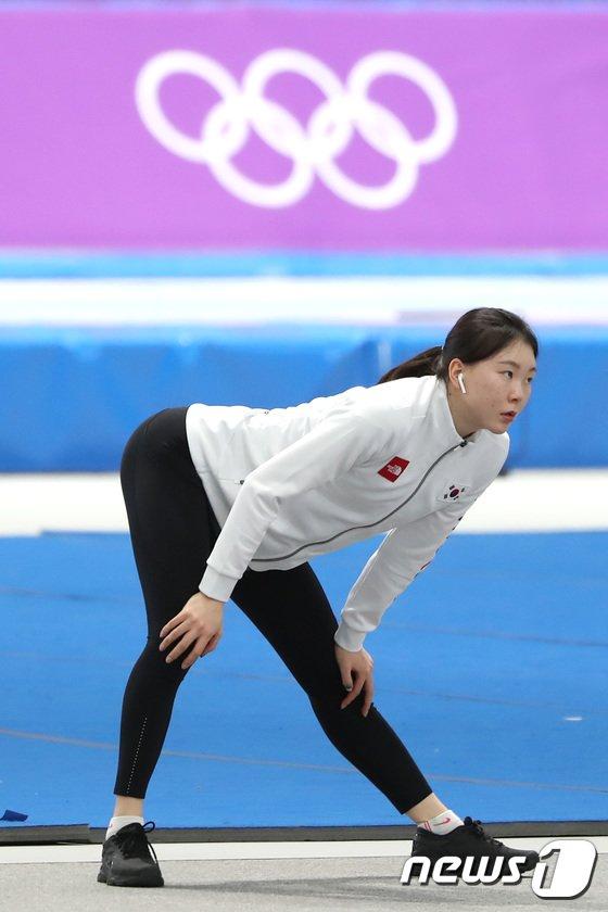[사진]노선영 '팀워크 논란에도 묵묵히 훈련'