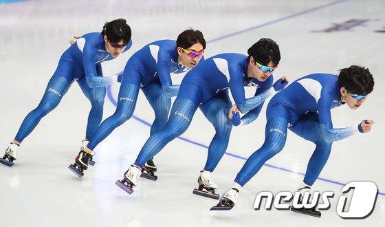[사진]훈련하는 남자 팀추월