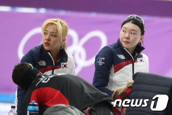 [사진]최하위 기록한 女 팀추월