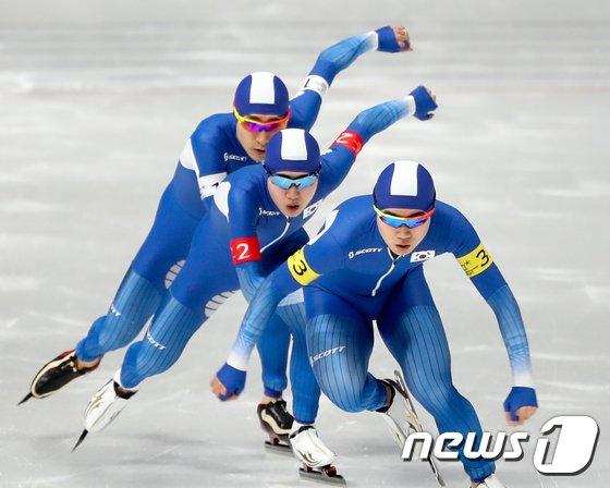[사진]남자 팀추월 '2회 연속 올림픽 은메달'