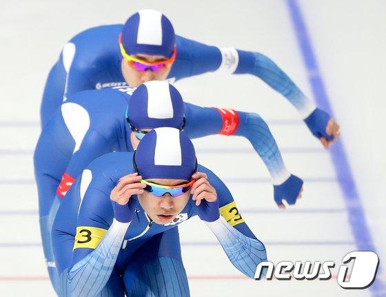 [사진]빙송 남자 팀추월 대표팀 '완벽한 팀워크'